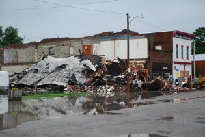 Vacant bldg collapses in Elliott.