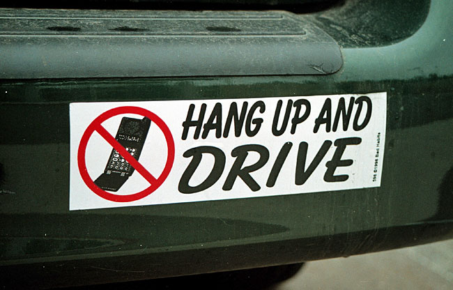 essay on banning cell phone use while driving