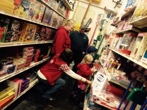 Shoppers having fun at Cappel's Ace Hardware